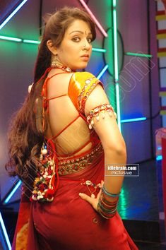 girls in sexy saree