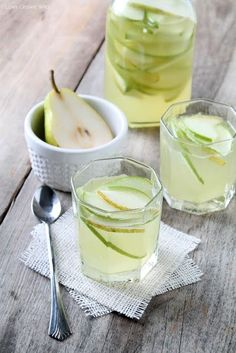 This Apple and Pear White Sangria is the perfect drink for fall! For more Sweet, fruity, and refreshing drinks try any of our three flavors of MYX Sangria! Refreshing Drinks, Yummy Drinks, Yummy Food, Pear Drinks, Yummy Recipes, Fall Cocktails, Fall Drinks, Mixed Drinks, Think Food