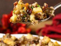 The Best Stuffing Recipe Ever starts with sausage, cranberry and apple. Herbs and spices are added in but the real magic happens as the pan is deglazed with a the most glorious combination of liquids and those bits are scraped up creating the most magnifi Best Stuffing Recipe, Homemade Stuffing, Stuffing Recipes, Apple Stuffing, Baked Stuffing, Crockpot Stuffing, Cornbread Stuffing, Thanksgiving Dinner Recipes, Holiday Dinner