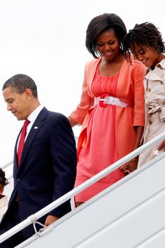 Barak And Michelle Obama, Barrack And Michelle, Diva Fashion, Fashion 2020, Fashion Looks, Style Fashion, Obama Daughter, First Daughter, Obama Sisters