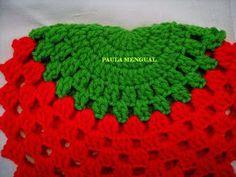 Paula Mengual Tejidos de Autor: Tutorial Agarradera de frutilla (Crochet) Crochet Bow Pattern, Crochet Bows, Crochet Art, Crochet Patterns, Crochet Appliques, Crochet Ideas, Crochet Potholders, Tea Cozy, Newborn Crochet