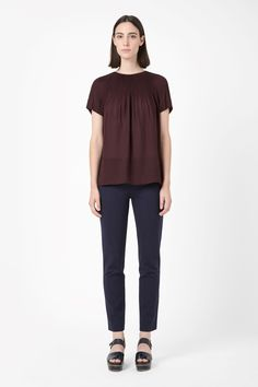 COS | Short-sleeved pleated top