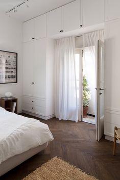 Apartment in Tel Aviv by Raanans Stern's Studio