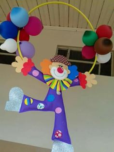 FEA Decoration Cirque, Decoration Creche, Circus Decorations, Pom Pom Decorations, Paper Christmas Decorations, School Decorations, Clown Crafts, Carnival Crafts, Carnival Themes