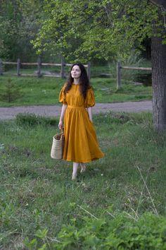 Meg Dress in Mustard with short sleeves, Linen Dress Stylish Dress Designs, Designs For Dresses, Stylish Dresses, Simple Dresses, Fashion Dresses, Kurta Designs, Blouse Designs, Short Kurti Designs, Chifon Dress