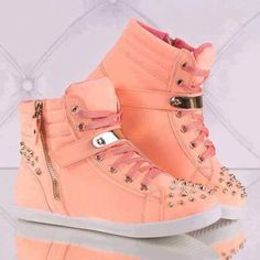 Chic Metal Lace-Up Comfortable Flat Casual Shoes With Rivets Dream Shoes, Crazy Shoes, New Shoes, High Top Sneakers, Shoes Sneakers, Shoes Heels, Wedge Sneakers, Strappy Shoes, Cute Shoes