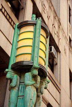 Уличный фонарь в Нью-Йорке 1930 года / Art Deco Street Lamp in New York ca.1930