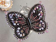 Брошь-бабочка с хрусталем
