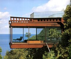 The Architecture of Harry Weese - Shadowcliff, Ellison Bay, Wisconsin, Example of Modernist architecture. Open plan space, a bold lineal elements and simplicity. Cantilever Architecture, Residential Architecture, Amazing Architecture, Interior Architecture, Interior And Exterior, Exterior Tradicional, Cliff House, Beautiful Homes, House Design
