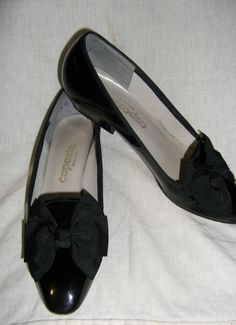 Vintage Black Patent Leather Ladies shoes by by SusOriginals, $8.00