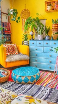 Living Room Decor, Bedroom Decor, Living Rooms, Boho Living Room, Cozy Living, House Rooms, Colourful Living Room, Bohemian Decor, Boho Chic