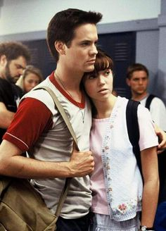 Shane West and Mandy Moore (Landon & Jamie) in A Walk to Remember Movies And Series, Movies And Tv Shows, Film Music Books, Music Tv, Love Movie, I Movie, Happy Movie, Lou Le Film, Sparks Movies
