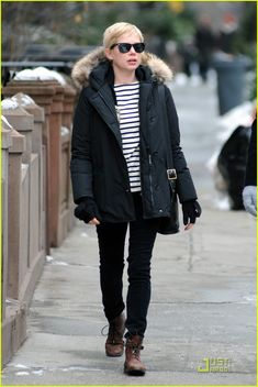 Michelle Williams Street Style | Michelle Williams (February 2010 - March 2011)