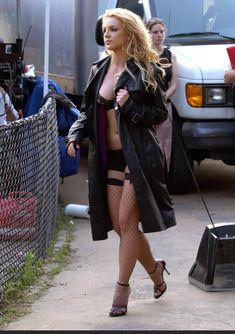 Britney Spears Photos, Beautiful Female Celebrities, Beautiful Women, Jennifer Lopez, Divas, Mick Schumacher, Kate Mara, Look At You, Famous Women
