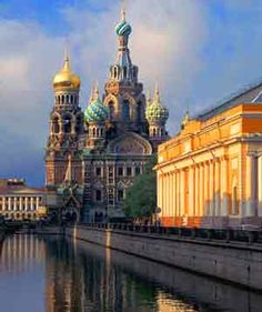 Visit St. Petersburg – the Venice of the North
