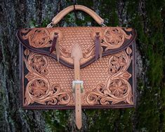 ArtisansOfAmerica Your source for the websites of artists and artisans. Custom Leather, Hand Tools, Artisan, Hands, Etsy Shop, Hand Tool Sets, Craftsman