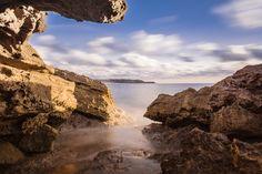 finestre sul paradiso - un bellissimo scorcio che si apre sulla torre dei corsari nella costa verde in sardegna