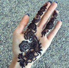 Easy Mehndi Designs, Latest Mehndi Designs, Bridal Mehndi Designs, Palm Mehndi Design, Henna Tattoo Designs Simple, Henna Art Designs, Mehndi Design Pictures, Mehndi Designs For Beginners, Mehndi Designs For Fingers