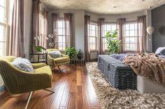 Take a Seat: Master Bedroom Sitting Area Ideas Bedroom With Sitting Area, Bedroom Photos, Bedroom Ideas, Bedroom Decor, Farmhouse Style Bedrooms, Bedroom Seating, Take A Seat, Interior Design Studio, Master Bedroom
