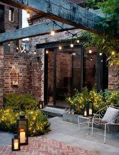 Courtyard gardens are perfectly matched with garden lanterns and festoon lights (modern covered patios) Outdoor Garden Decor, Outdoor Rooms, Outdoor Living, Rustic Outdoor Spaces, Outdoor Decorations, Outdoor Patio Decorating, Outdoor Furniture, Outdoor Gardens, Outdoor Office