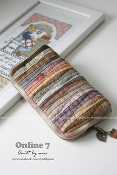 new ideas for patchwork patterns bags ideas Japanese Patchwork, Crazy Patchwork, Patchwork Patterns, Patchwork Bags, Quilted Bag, Fabric Bags, Fabric Scraps, Pouch Pattern, Quilting