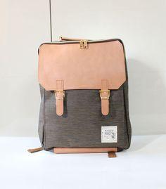 Tweed Square Backpack (Brown)