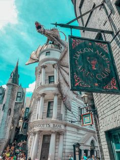 The Muggle's Guide to The Wizarding World of Harry Potter
