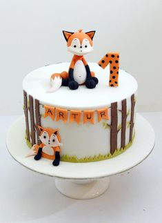 First Birthday cake. by SWEET architect