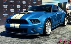 Friends of Carroll Shelby Unveil 850-HP Wide-Body 2013 Ford Shelby GT500 Cobra at Pebble Beach - WOT on Motor Trend