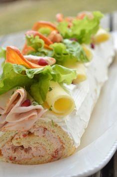 Smörgåsrulltårta med kyckling Sandwhich Cake, Garam Masala, Sandwiches, Food And Drink, Mexican, Yummy Food, Lunch, Snacks, Eat
