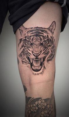 Tiger Forearm Tattoo, Tiger Tattoo Sleeve, Nature Tattoo Sleeve, Forarm Tattoos, Tattoo Sleeve Designs, Tattoo Designs Men, Body Art Tattoos, Tattos, Hand Tattoos