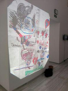 """ÚLTIMO DÍA de #ArtInProgress @ChicoLopezJM """"En esta exposición, Chico López reflexiona sobre el consumo y la utilidad que tiene el arte en una cultura construida, mayoritariamente, sobre clichés que nacen del desconocimiento y de la inmediatez imperante""""."""