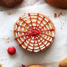 This is Chetna's (of Great British Baking Show fame) take on Wagon Wheels, marshmallow-stuffed sandwich cookies that are sold in supermarkets in the U. British Baker, Christmas Biscuits, Red Food Coloring, Cookie Icing, Confectioners Sugar, Cookies Ingredients, Sandwich Cookies, Fresh Lemon Juice, Holiday Cookies