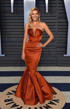 Kelly Rohrbach in Zac Posen PreFall 2018 at the 2018 Vanity Fair Oscar Party Ellie Saab, Dolce & Gabbana, Nice Dresses, Prom Dresses, Formal Dresses, Graduation Dresses, Long Dresses, Elegant Dresses, Tom Ford