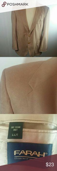 "Farah Vintage Leisure Sport Coat 100% polyester  Microfiber  Size 44R Measurements:  Chest ( pit to pit ) 23"" Length: 30 1/2"" Sleeves: 24 3/4"" Farah Suits & Blazers Sport Coats & Blazers"
