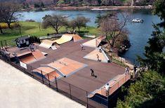Backyard Skatepark, Skate Photos, Planet Design, Sport Park, Youth Center, Landscape Architecture Design, Skateboard Design, Parking Design, Longboarding