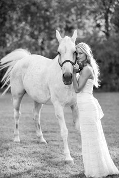 This stunning equestrian bride loves her horse so much, she included her in the wedding photos