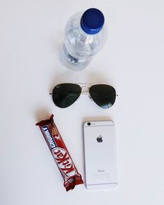 Not overly partial to luxury dessert 🍫 . . @kitkatglobal @raybanofficial snack food foodie chocolate kitkat ray-ban water iPhone dessert