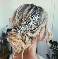 Cara Clyne Long Wedding Hairstyles and Wedding Updos - Wedding Ideas - Cara Clyne Lange Hochzeit Frisuren und Hochzeit Hochsteckfrisuren – Hochzeit ideen Cara Clyne L - Wedding Hairstyles For Long Hair, Wedding Hair And Makeup, Wedding Hair Accessories, Cool Hairstyles, Wedding Beauty, Wedding Hair Jewelry, Hairstyle Ideas, Vintage Wedding Hairstyles, Country Wedding Hairstyles