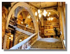 Glasgow City Chambers, Glasgow, Scotland. Awesome marble staircase in an impressive Victorian building