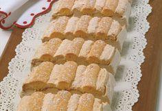 Kardinalschnitten Foto: Walter Hufnagl Tiramisu, Waffles, Deserts, Food And Drink, Breakfast, Sweet, Dress, Meal, Beehive