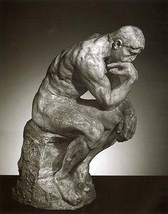 """A 172 AÑOS DE LA MUERTE DE AUGUSTE RODIN Rodin inició su carrera como escultor con la presentación de """"El hombre de la naríz rota"""" en 1864; pero es """"El pensador"""" la obra más conocida del artista francés. A través de ella, Rodin trató de representar a Dante frente a las puertas del infierno. Esta escultura refleja la lucha interna por la meditación y el poder abstraerse del mundo exterior para lograr el equilibrio espiritual."""