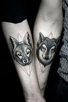 tattoo symbole unterarm wolf fuchs