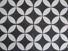 black-with-white-circle