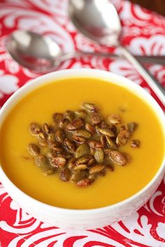 Copycat Panera Autumn Squash Soup - have you tried this soup at Panera? Oh my word, it's wonderful and I think this one's really close!