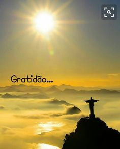 Gratidão meu Deus, por minha vida, pelos desafios que tenho,pelos caminhos que percorro...  Gratidão pela coragem e pela esperança.  Que eu possa perseverar... servir...agradecer...perdoar... recomeçar..  Que a minha Fé seja insistente e que eu  abrace o teu Amor todos os dias.  Amém.  •⊰✿  FranXimenes  @FranXimenes_poesia  #boanoite  #gratidao  #blessedGod