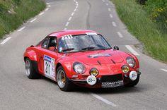 La combinaison de l'adhérence et de la rapidité. Renault Alpine A110 #auto #car