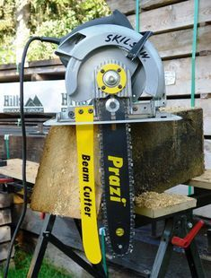 Convert Your Circular Saw into a Versatile, Labor Saving, Beam Cutter. Jet Woodworking Tools, Woodworking Projects, Woodworking Jointer, Woodworking Store, Wood Projects, Cierra Circular, Best Circular Saw, Tool Bench, Wood Tools