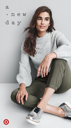 Comfy like PJs and totally brunch worthy with a little bit of bling, i., our ideal weekend outfit. Fall Winter Outfits, Autumn Winter Fashion, Work Fashion, Fashion Outfits, Women's Fashion, Fashion Clothes, Fashion Trends, Stylish Outfits, Dressy Outfits