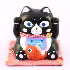 Original moneybox in the shape of a japanese cat Maneki Neko - it brings luck for its owner :)